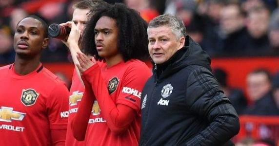 Werder Bremen chief admits worry that deal for Man Utd starlet could fail