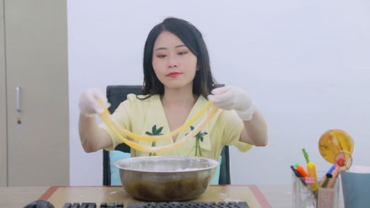 YouTuber Ms Yeah pays compensation as girl who 'copied' her cooking video dies from injuries