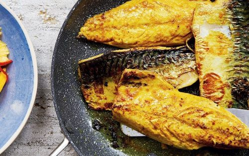Indian-spiced mackerel fillets with mango, lime and chilli salad recipe