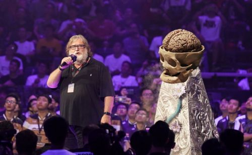 """Valve's Gabe Newell imagines """"editing"""" personalities with future headsets"""