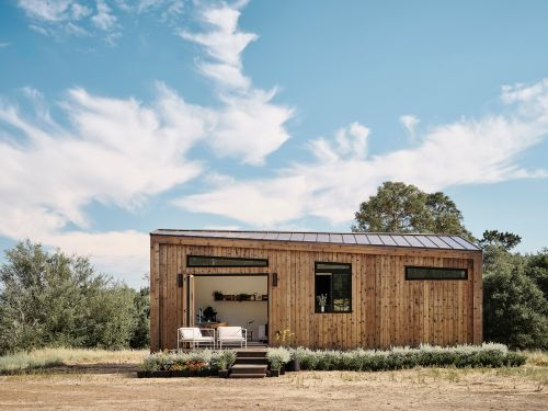 The startup behind these $199,000 backyard tiny homes that can be built in a a day just raised $3.5 million - take a look