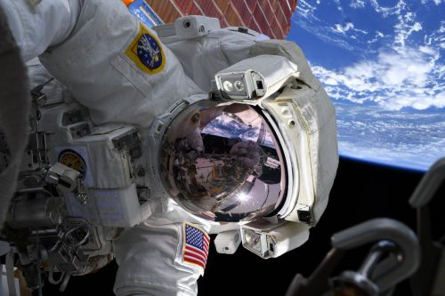 Morgan, Koch continue battery replacement work on spacewalk