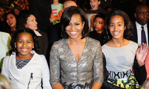 Michelle Obama looks identical to daughters Sasha and Malia in unearthed school photo
