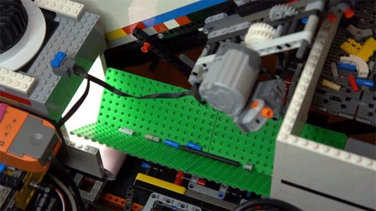 A Neural Network Powers this Lego-Built Brick Sorter that Can Recognise Every Piece Ever Made