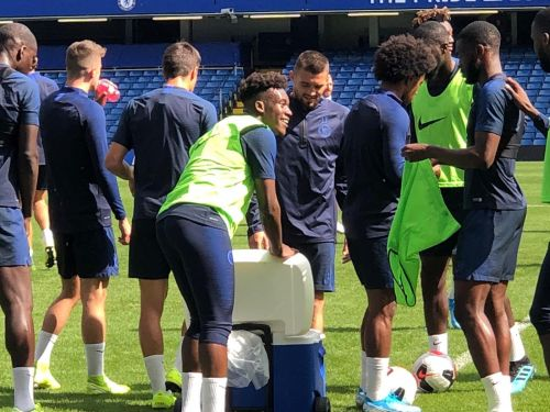 Chelsea open training session - Noticeable absentees, Norwich line up hint