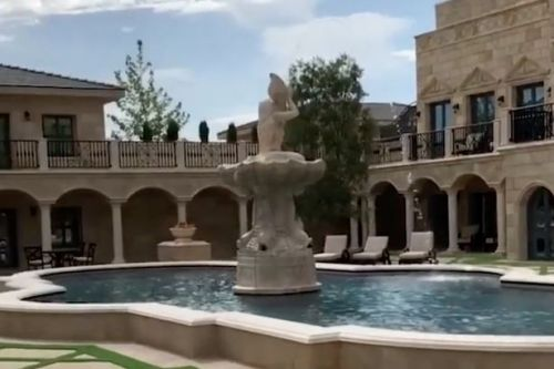 Floyd Mayweather shows off incredible new house boasting courtyard with fountain