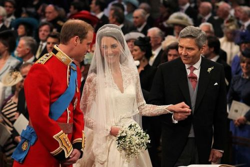 Lip reader confirms Prince William's remark to Kate's dad on wedding day
