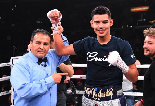 An 18-year-old Californian who is already 6-foot-4 scored one of the knockouts of the weekend at the Ruiz Jr. vs. Joshua event