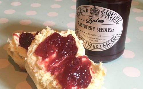 Queen's jam suppliers blamed as residents left without water to shower or flush the toilet