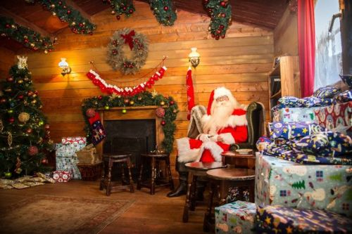 Families can meet Santa and have a Christmas themed sleepover at Alton Towers
