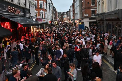 'Crystal clear' drunk people can't socially distance, say police in England
