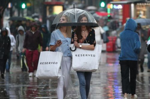 Weekend washout with heavy rain and thunder ending July in miserable fashion
