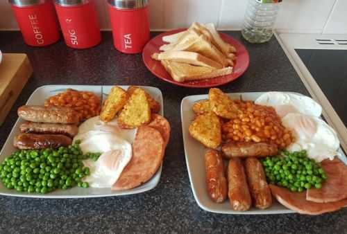 Would you put peas on your full English breakfast? This woman does and it's divided the internet