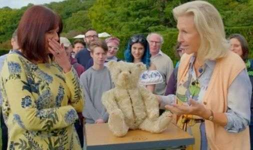 Antiques Roadshow expert comforts guest after unveiling huge valuation of rare teddy bear