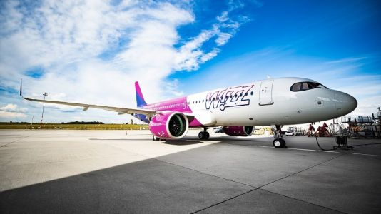 The big picture: Wizz Air takes delivery of first A320 neo