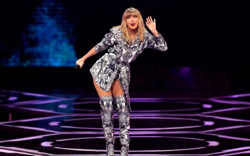 Taylor Swift claims 'tyrannical' label execs stopped her performing some of her own songs at awards