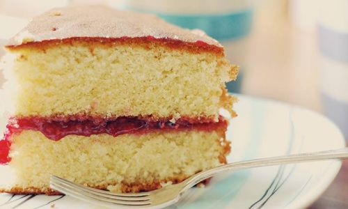 Royal family share delicious Victoria Sponge recipe - and it's so simple