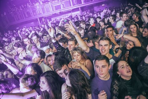 Students scammed out of money for fake Freshers Week events that may never happen