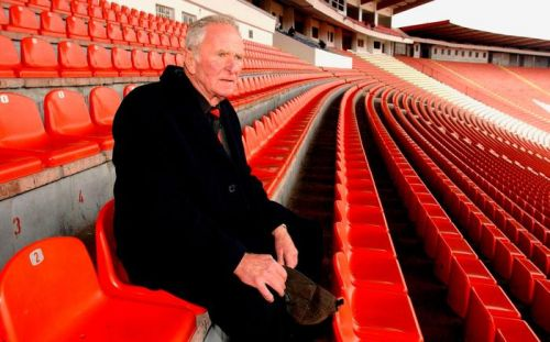 Farewell to a hero: Harry Gregg family 'overwhelmed' by support as Northern Ireland prepares for football legend's send off