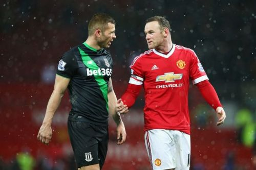 Phil Bardsley wants Wayne Rooney boxing rematch after infamously knocking out pal
