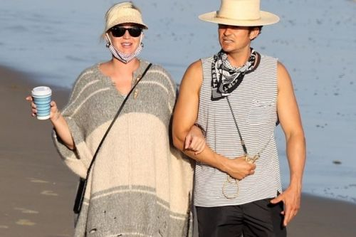 Pregnant Katy Perry and Orlando Bloom enjoy beach stroll before baby's arrival