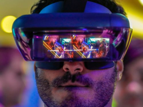 Experts say virtual and augmented reality could be game-changing for how Wall Street views data in the next decade