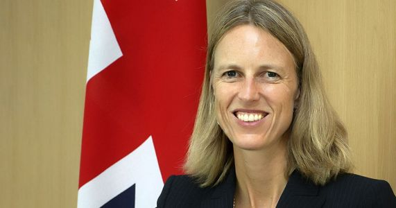 Senior British diplomat in US quits over government's Brexit 'half-truths'