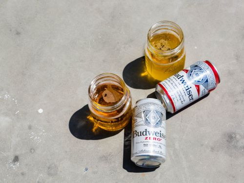 I compared Budweiser's new nonalcoholic beer with its original beer, and I'm baffled by why someone would drink nonalcoholic Budweiser