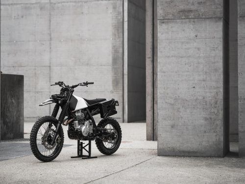 A design firm used 3D printing to transform a 1991 Honda motorcycle - take a look at how they completed the 2-year project