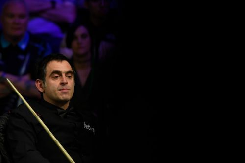 Ronnie O'Sullivan struggling against brilliant Mark Williams at World Snooker Championship