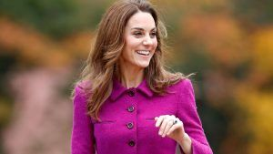Kate Middleton apparently wears two different shoe sizes