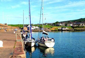 Mooring: A guide to coming alongside, rafting & traditional skills