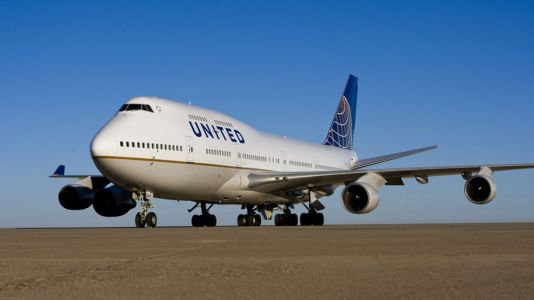 """United offers """"Dinner with the Queen"""""""