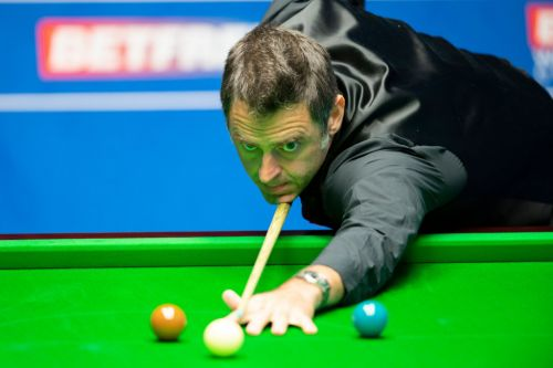 Ronnie O'Sullivan surges past Ding Junhui and into World Snooker Championship quarter-final