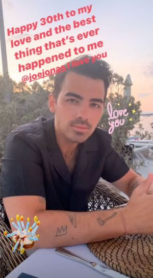 Joe Jonas Gets Cake And Concert Kiss From Sophie Turner For 30th Birthday