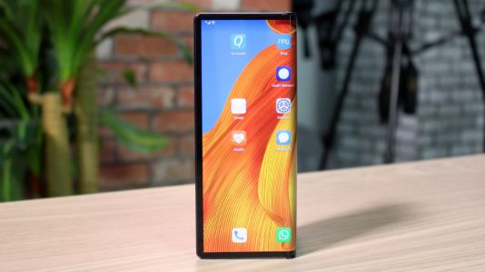 Xiaomi patents foldable design eerily similar to the Mate Xs