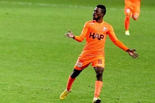 Ismaila Soro flying in to seal Celtic transfer as midfielder due to arrive in Glasgow