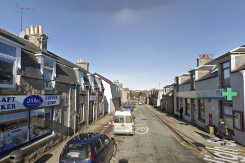 Woman 'shaken up' after being robbed by two thugs in Aberdeenshire town