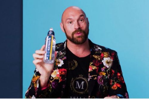 Tyson Fury joins coronavirus fight by donating thousands of drinks to the NHS