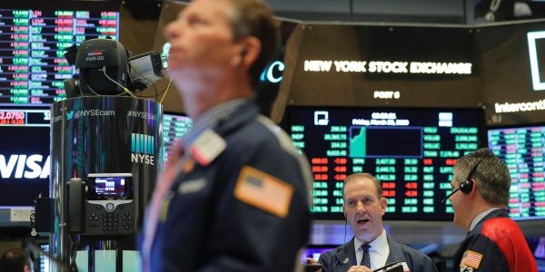 US stocks slide as investors await further stimulus negotiations