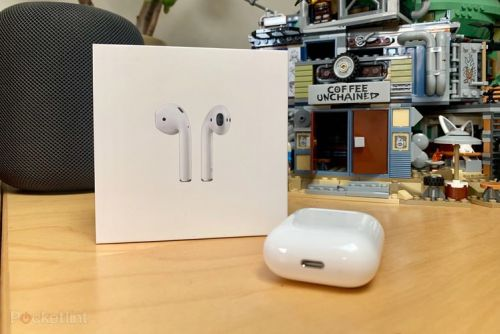 Get £40 off Apple's super AirPods 2 with wireless charging case