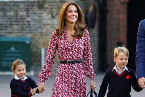 Off-duty Kate spotted taking George, Charlotte and Louis stationary shopping