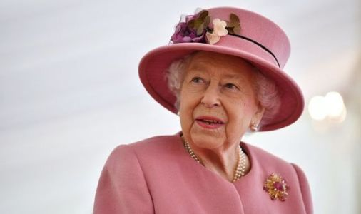 Queen 'had signal to alert aides if she needed to leave event' hours before hospital