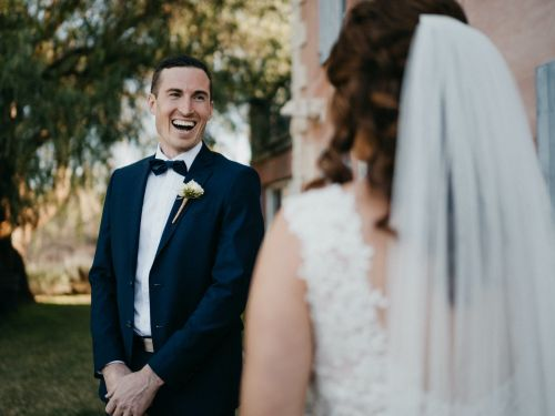 29 emotional 'first look' photos that prove it's the sweetest wedding tradition