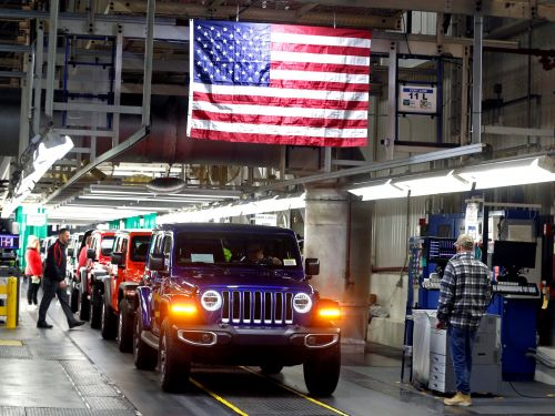 Fiat Chrysler slumps after Goldman Sachs says to sell the stock