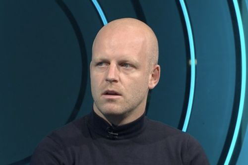 Steven Naismith in grim Celtic assessment as pundit claims Dundee United denied 'stonewall' penalty