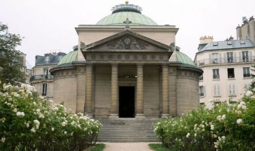 Archaeology news: Remains of 500 guillotine victims found in chapel walls