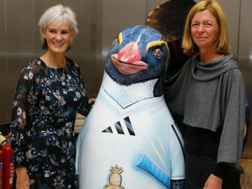 Judy Murray snaps up Andy Murray-inspired penguin