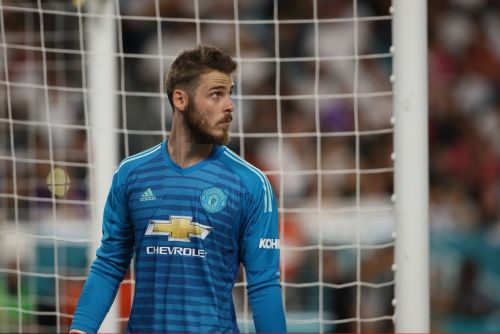 David De Gea ready to sign new Manchester United deal 'as soon as possible', confirms Jose Mourinho
