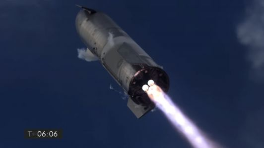 SpaceX just launched a Starship rocket 6 miles above Texas, then landed it without an explosion for the first time